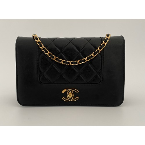 Chanel WOC Wallet on Chain...