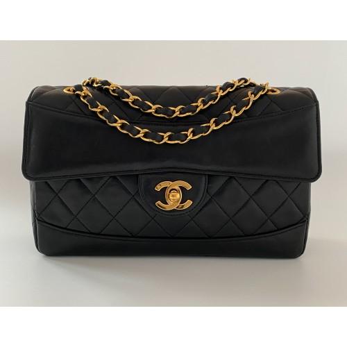 Chanel black vintage ref. 7053