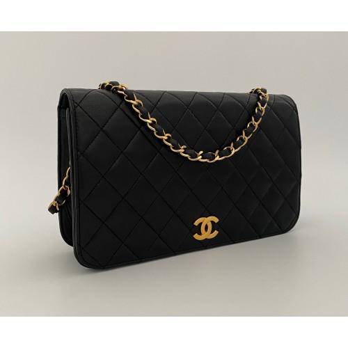 Chanel matelassé black...