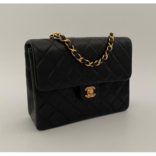 Bolso Chanel mini black...